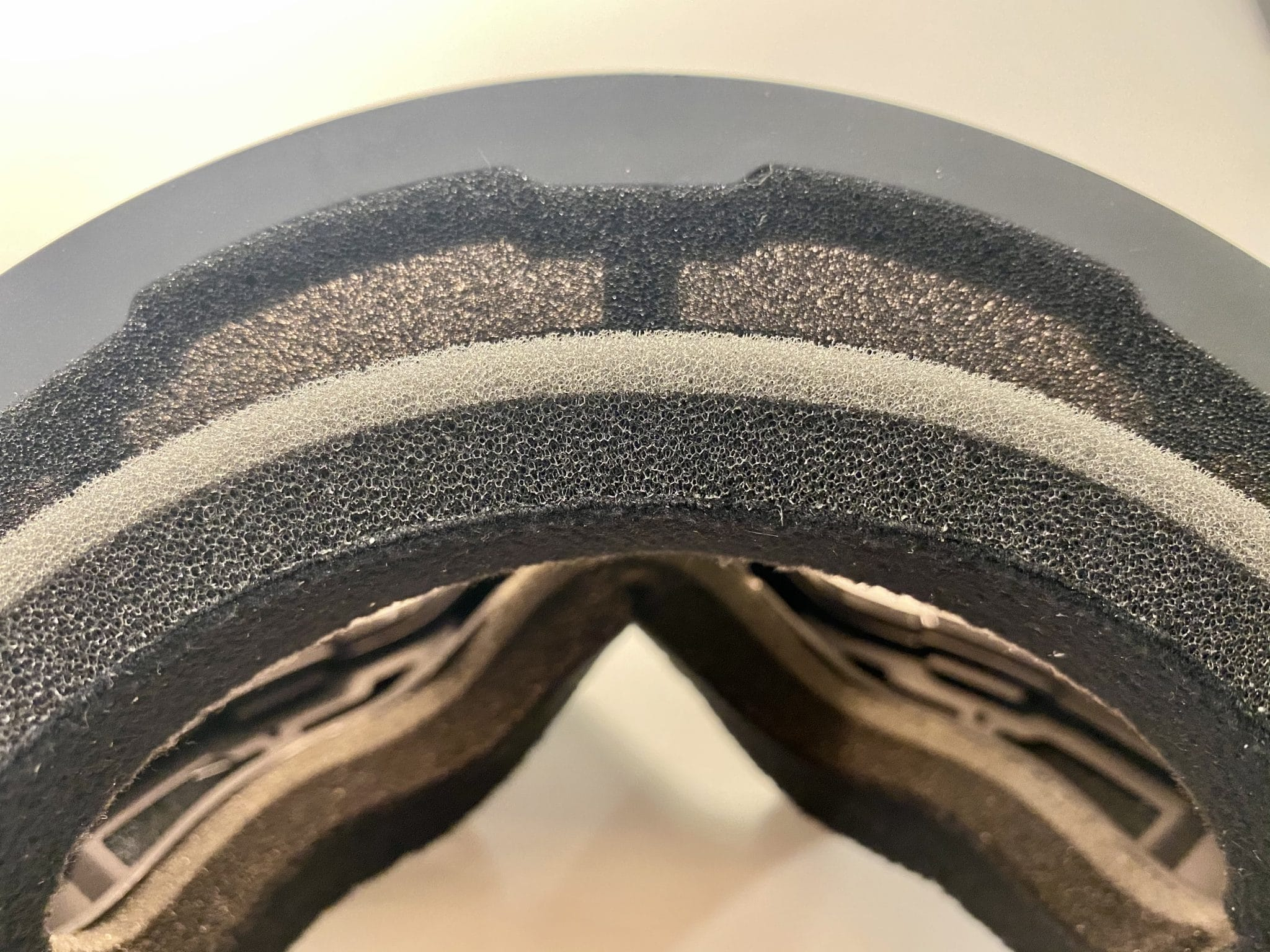 MessyWeekend - ACHTON triple-layer foam